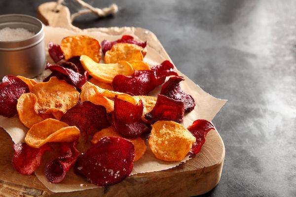 4 receitas fáceis de chips (para nunca mais comprar no supermercado!)