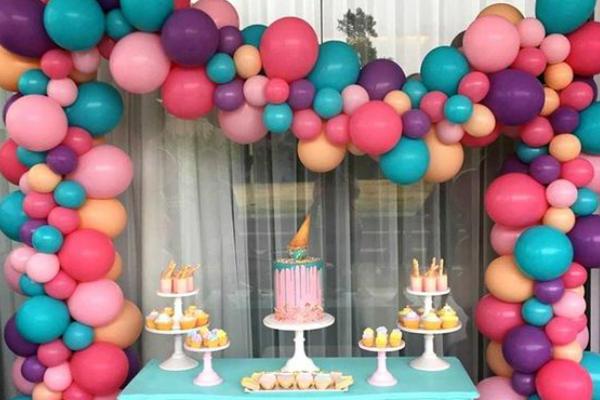 Balões desconstruídos: 15 painéis irresistíveis