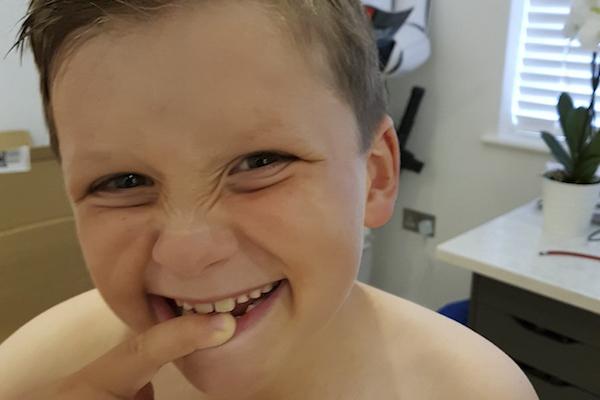 A melhor carta da fada do dente para uma criança que não gosta de escovar!
