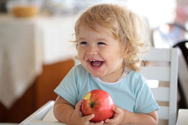 Estudo revela método caseiro eficiente para eliminar agrotóxicos