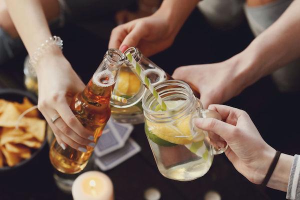 House Parties: o que você, mãe, pai ou filho, precisa saber sobre isso