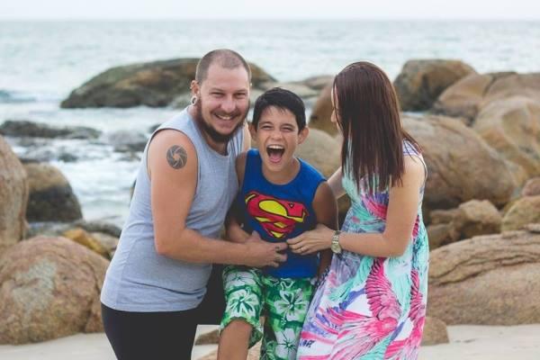 Casal quebra tabu da adoção tardia em post viral (vai ser difícil não chorar!)