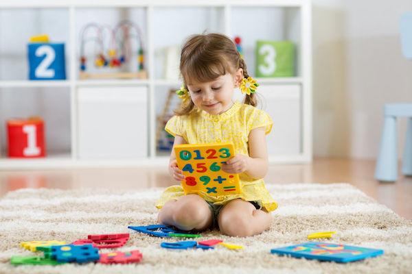 Estudo mostra que crianças estimuladas em casa são melhores em matemática