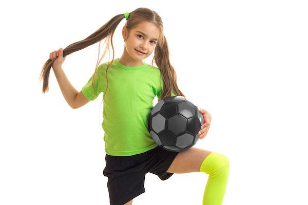 Futebol feminino: ótimos motivos para sua filha também jogar bola!