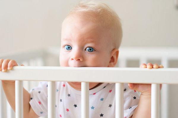 Seu bebê não aceita o berço? 5 motivos pelos quais o berço tem pregos!