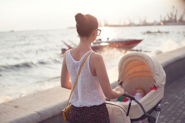 Sono do bebê nas férias: um guia passo a passo de sobrevivência!