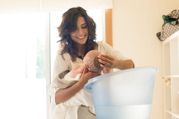 Primeiro banho do bebê: como e quando ele deve acontecer?