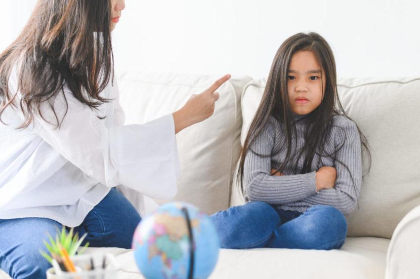 Mau comportamento escolar? Veja como falar com seu filho