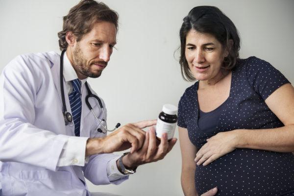 gestante e médico