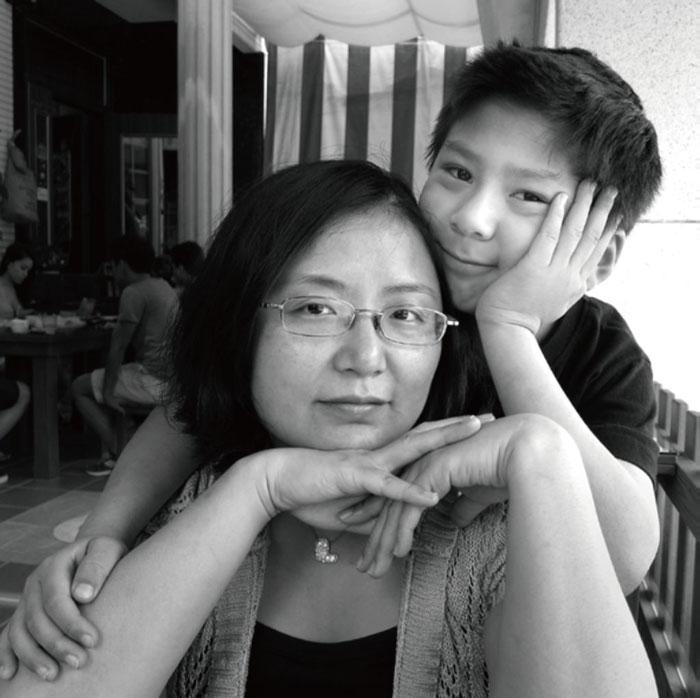 A mãe como criadora: uma série emocionante de fotos, que durou 17 anos